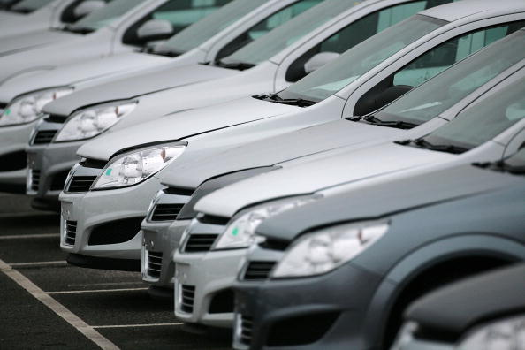buy or lease a vehicle  new numbers show monthly payments in both scenarios