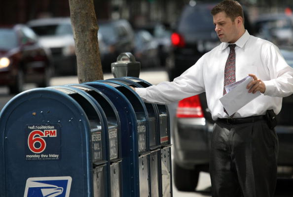 The USPS mailbox scam: A sticky crime reportedly makes a comeback