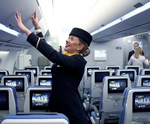 Flight attendant - How to use Google Flights to save money on airfare