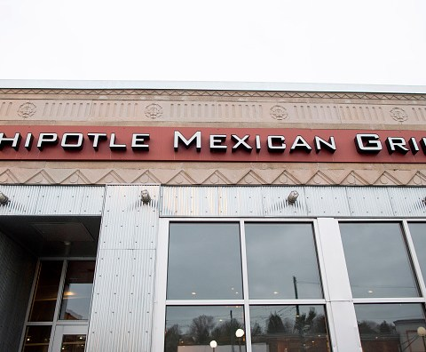Chipotle to test drive-thru windows