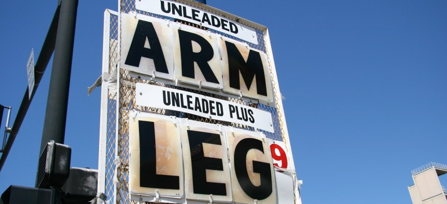 Warning: Avoid these gas price danger zones along state lines