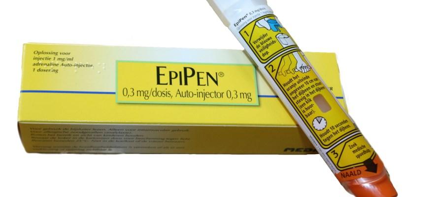 FDA warns EpiPen manufacturer over safety problems
