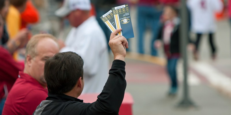 'Tis the time of year for ticket scams: 5 ways to spot the fakes