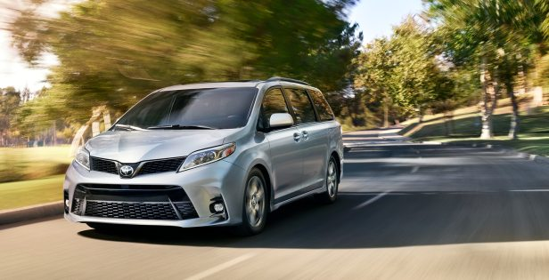 2018 Toyota Sienna picture