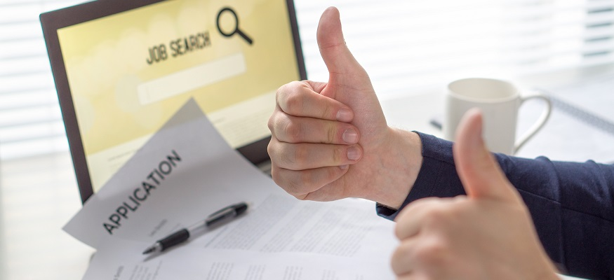 job search with thumbs up