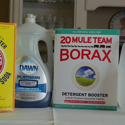 DIY laundry detergent: Save money every time you do chores!