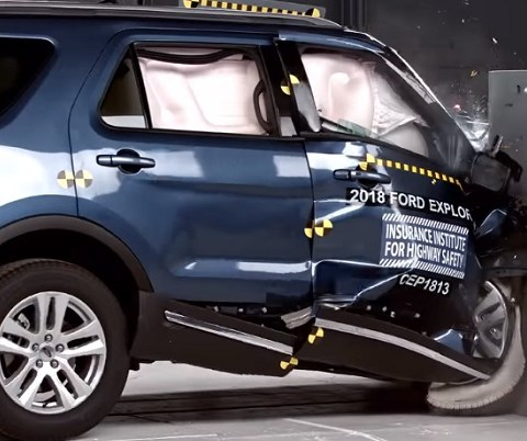 Two popular midsize SUVs fail IIHS crash test