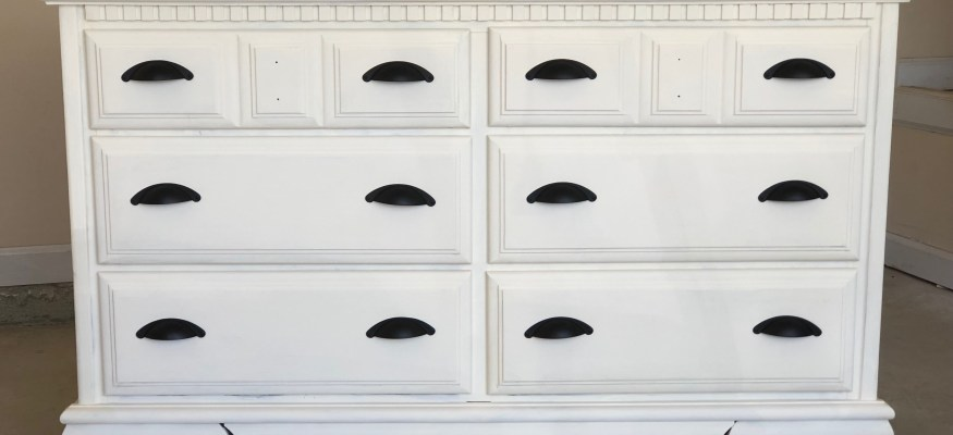 DIY Savings: Steps to Make Old Wooden Furniture Look New!