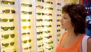 woman shopping for eyeglasses