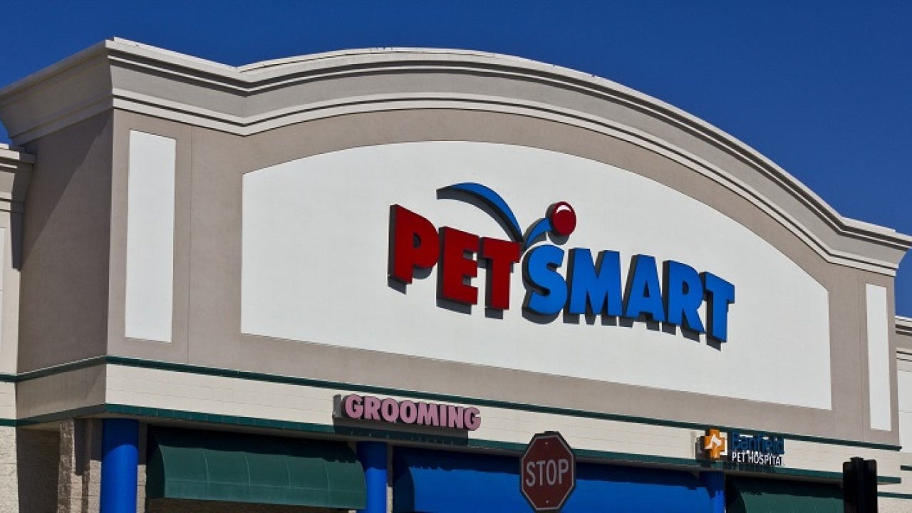 Big Retail Landlords Fight Over Rent Pymnts Com