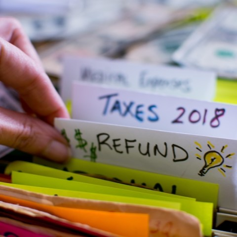 2018 tax refund via dreamstime