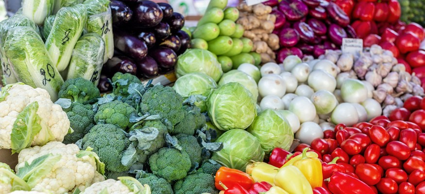 Don't Pay Extra for Organic Versions of These Fruits and Vegetables