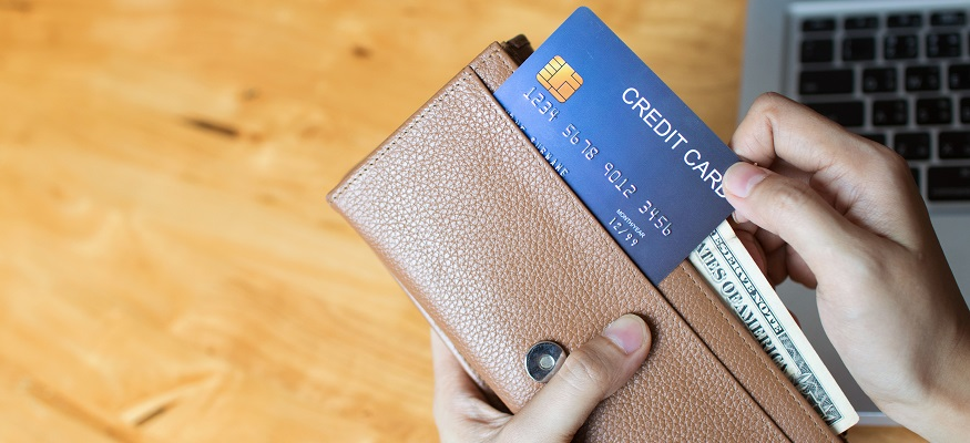 со скольки дают кредит в сбербанке
