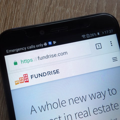 Fundrise website on cell phone