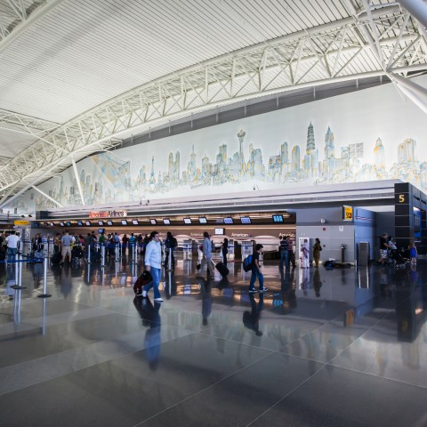 These U.S. airports have the cheapest international flights