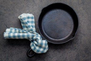 Cast iron skillet - products that you won't have to replace for a long time