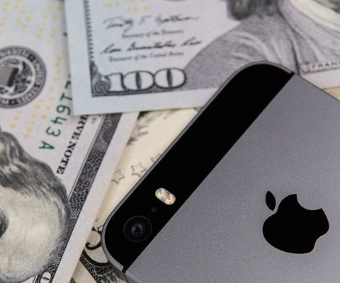 Cheap iPhones: What Do You Get for $100 and $300?