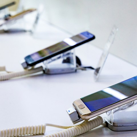 New Report: The Best Cell Phone Providers in America