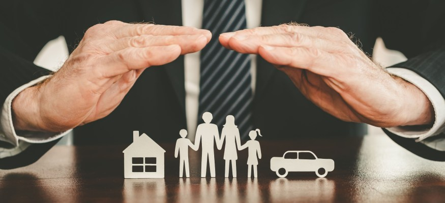 We'll explain the differences between the four types of term life insurance companies.