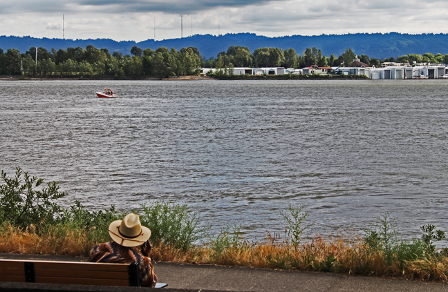 Vancouver waterfront_watching boats