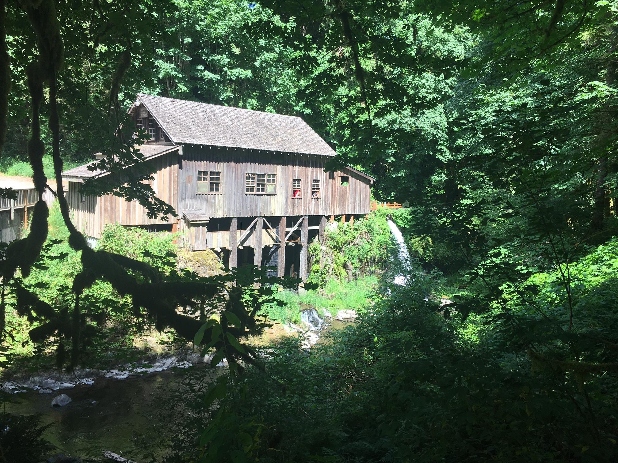 Visit the historic cedar creek grist mill clarkcotalk for The cedar mill