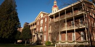 BrochAcademy Building Front