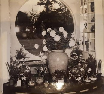 Luepke Flowers and Finds Vancouver Round Window