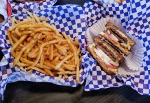 Top Burger Camas fries