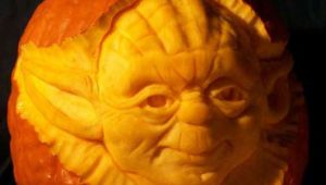 Downtown Camas Yoda pumpkin