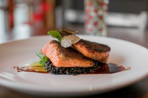 Restaurants Grays Harbor Rediviva-Aberdeen-salmon