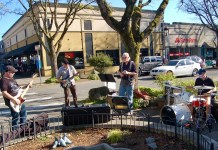 Robusto Rejects Band in Downtown Camas Third Thursday