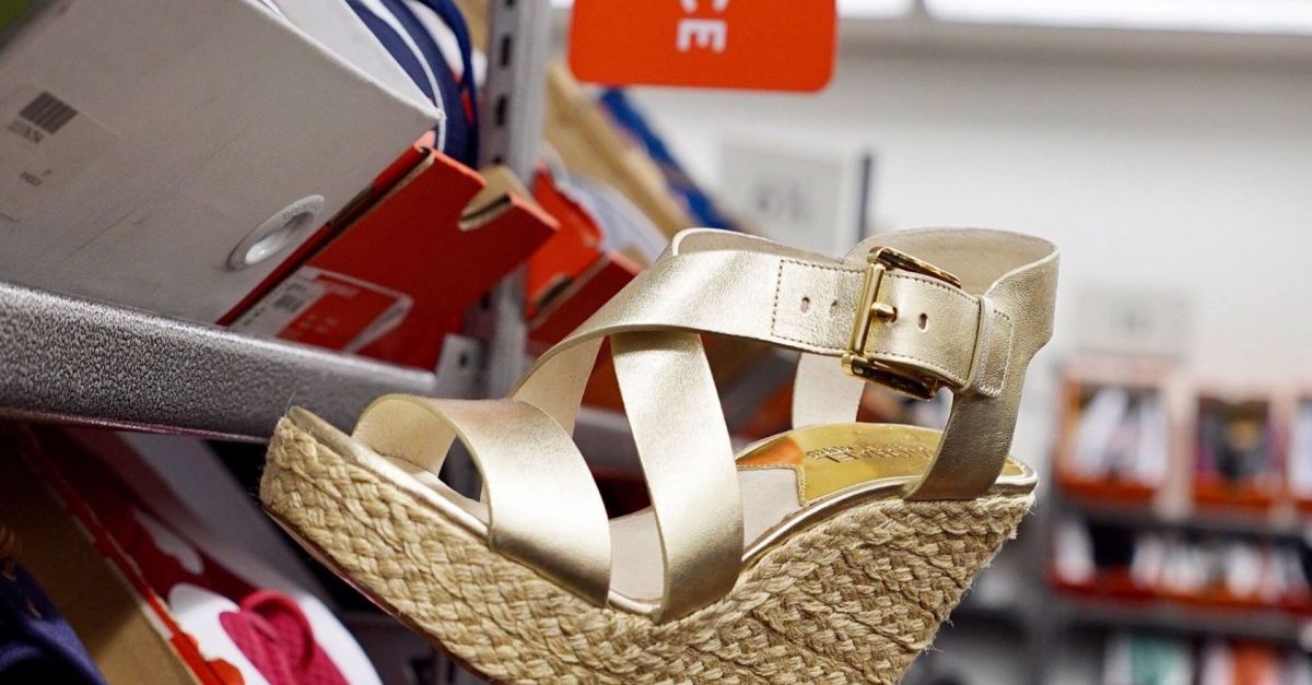 64a4f598208 Save up to 80% on women s sandals at Nordstrom Rack