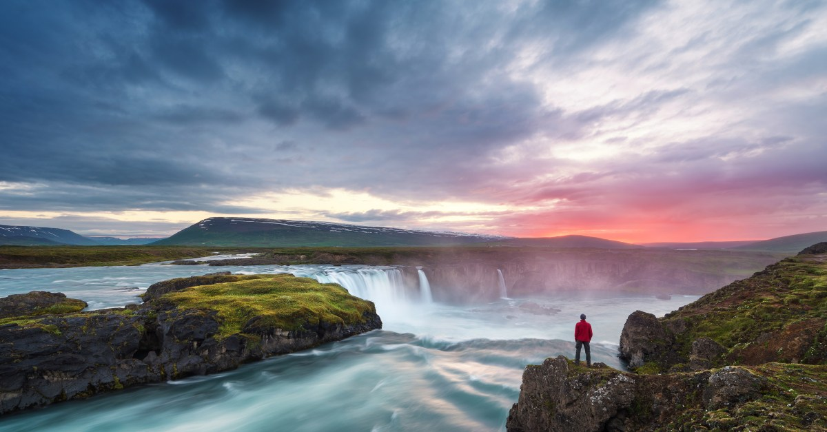 Flights to Iceland in the $200s & $300s round-trip
