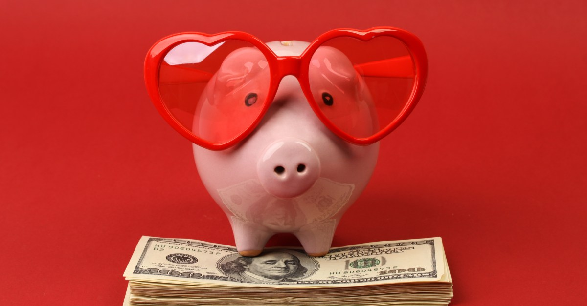 14 ways to save on Valentine's Day