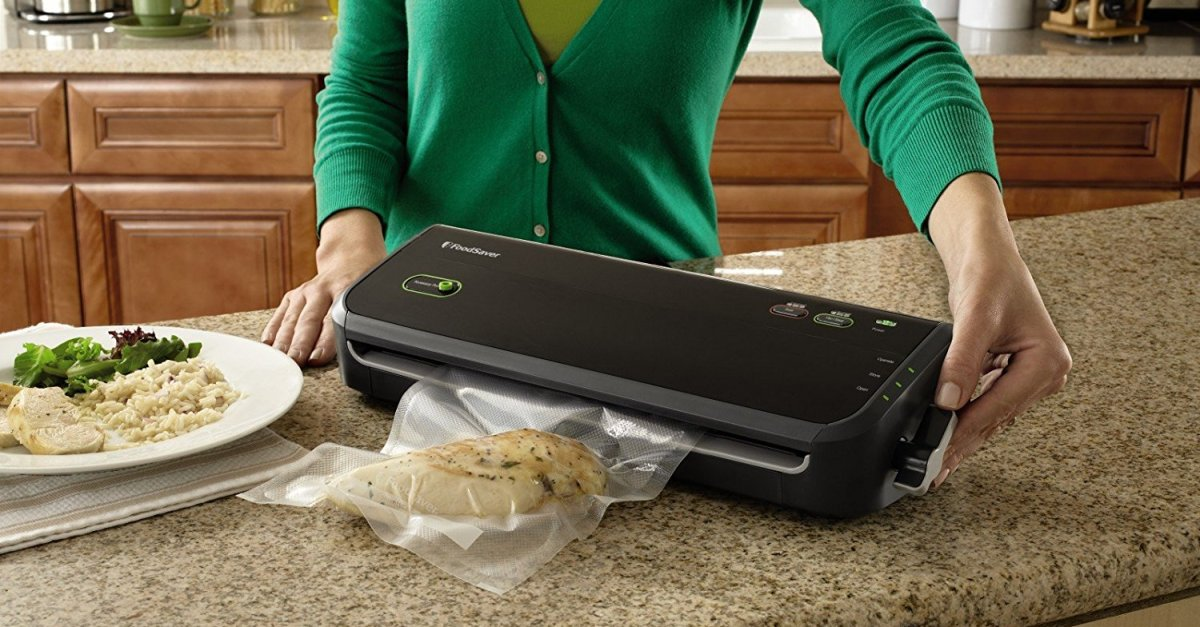 Today only: FoodSaver FM2000 with starter kit for $29 shipped (refurbished)
