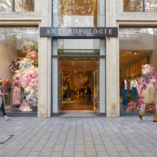 Take 30% off sitewide at Anthropologie