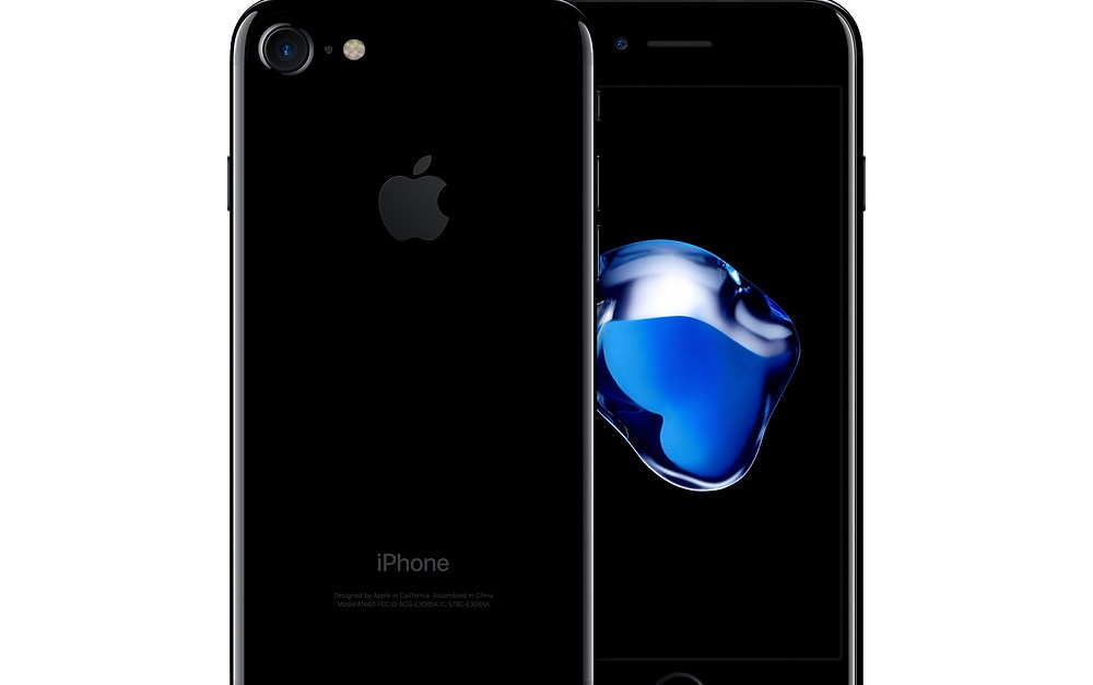 Refurbished 32GB Apple iPhone 7 unlocked smartphone for $379