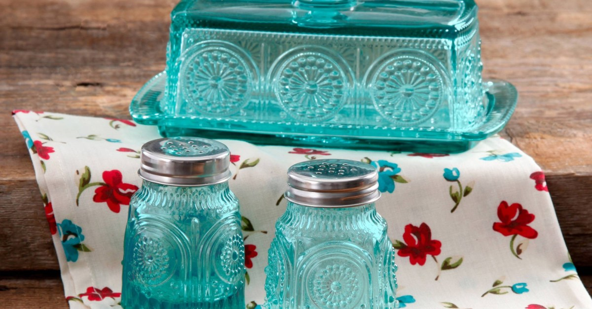 Selling fast! The Pioneer Woman: 8 great deals on servingware and kitchen items at Walmart