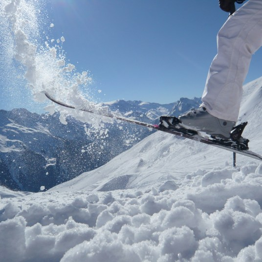 Get a $300 Delta Air Lines gift card when you book select Park City, Utah ski resorts!
