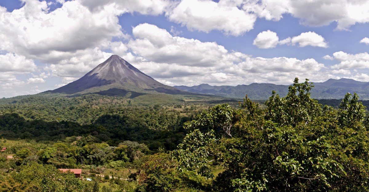 6-night trip to Costa Rica with hotel, flight and car rental from $599