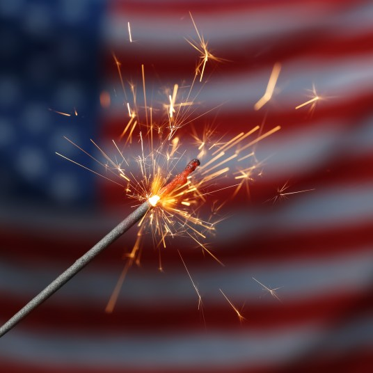 90+ of the best 4th of July discounts & deals!