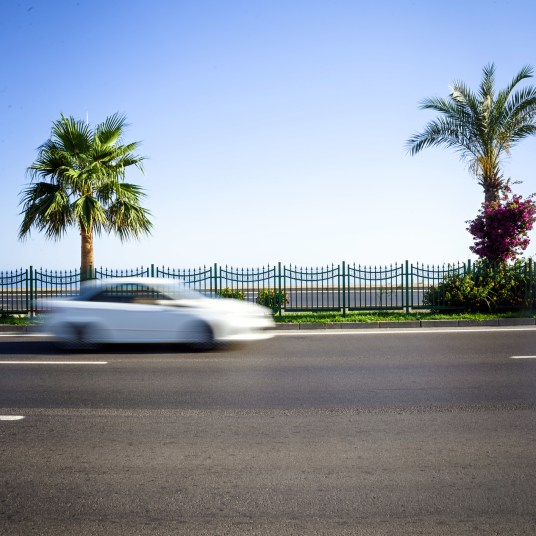 Hertz deals: One-way car rental to Florida for $14.99 or $50 hotel credit