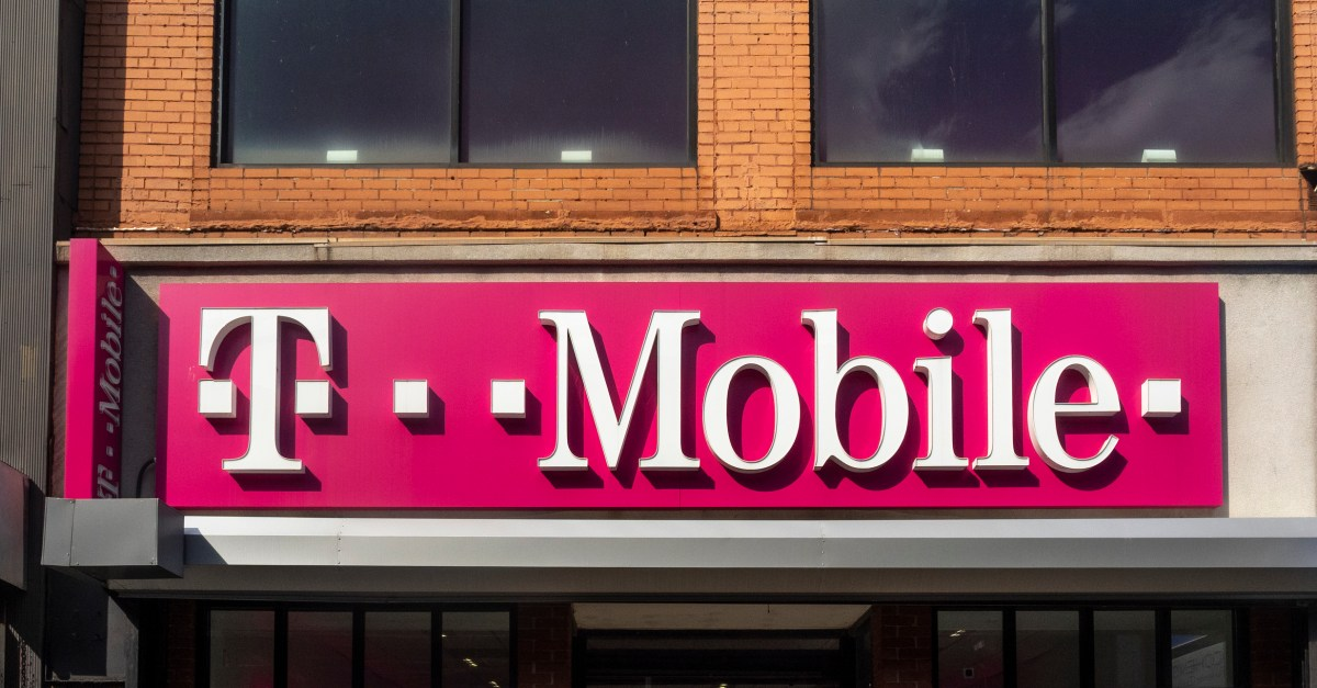 T-Mobile offers 50% off family lines for first responders