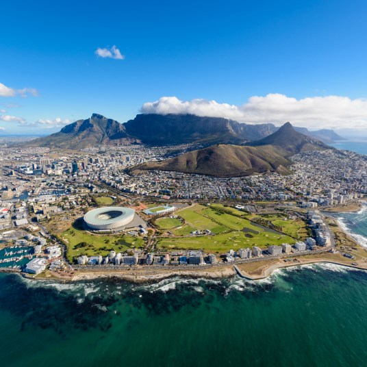 6-night South Africa guided tour with game drives & flights from $1,599