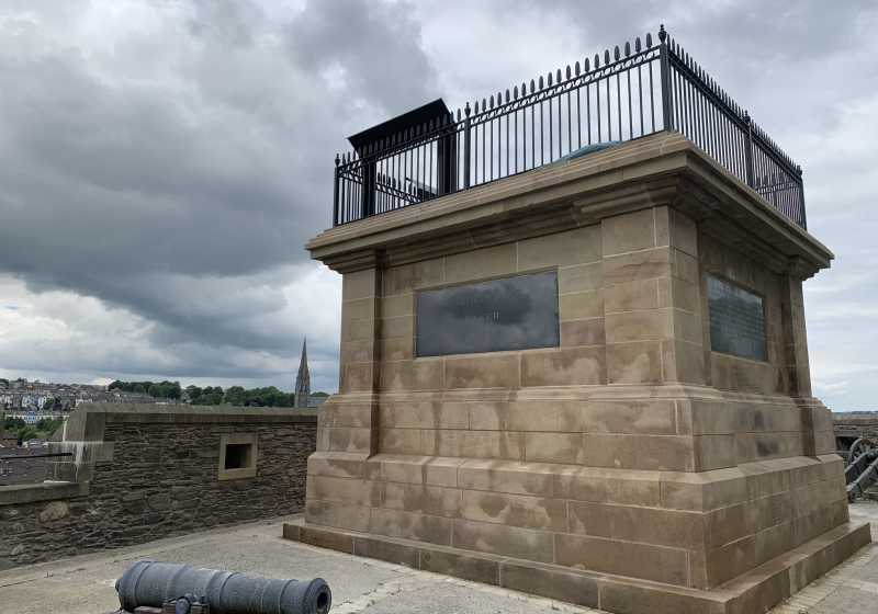 Walker Memorial Plinth, Royal Bastion