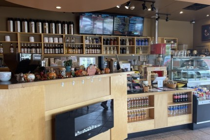 Lobby GetSome Coffee (Angela Peterson, September 21, 2021)