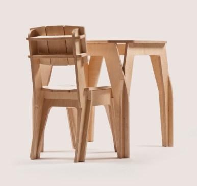 Cadeira e mesa de 4 pessoas.