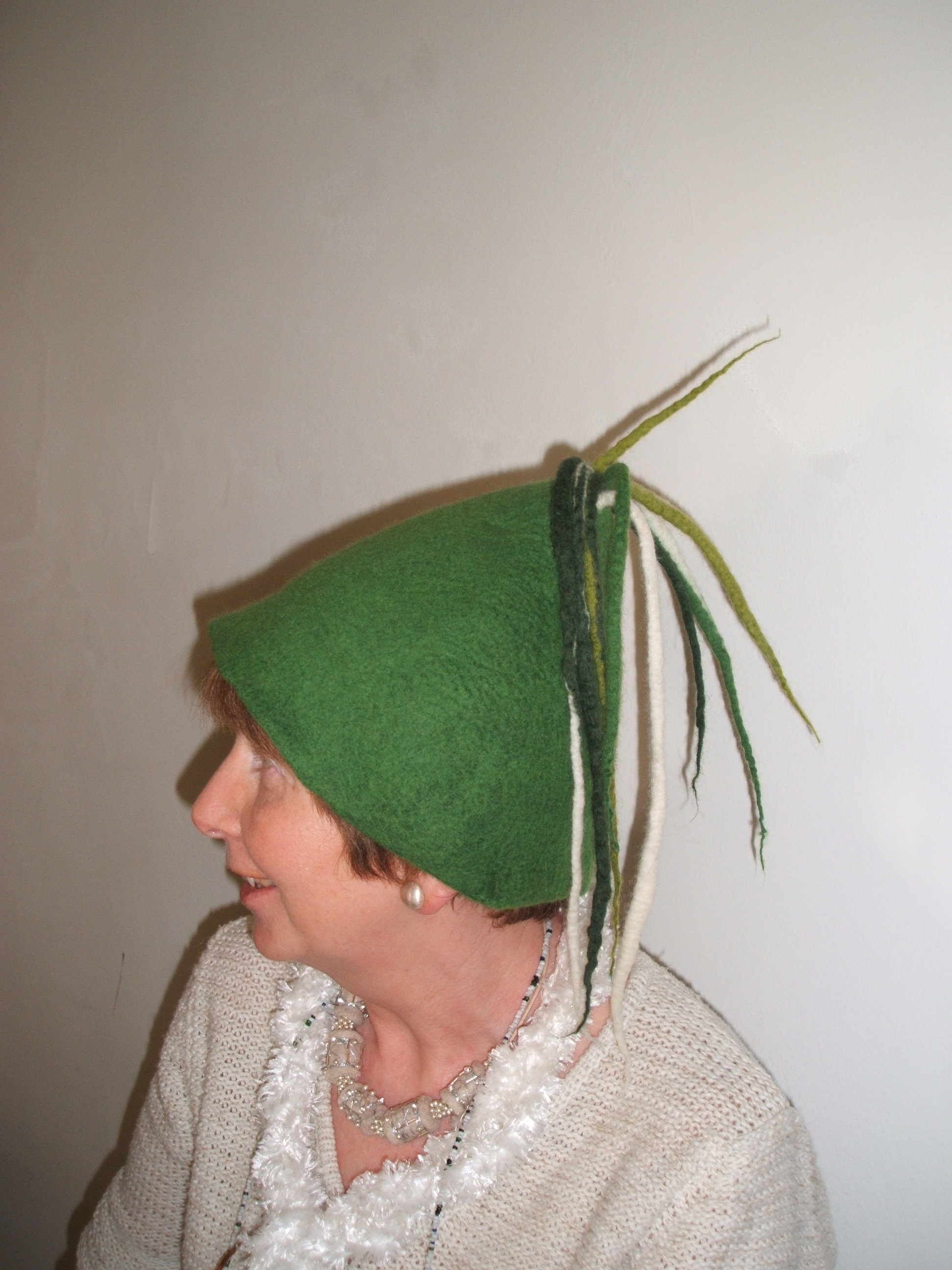 Clare modelling my hat!