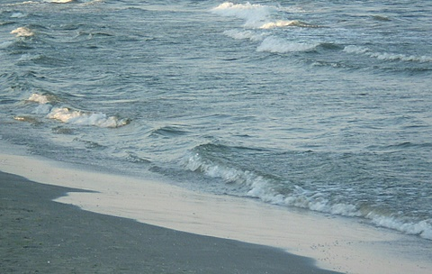 valuri-plaja