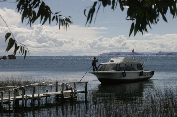 Suasi Island private boat